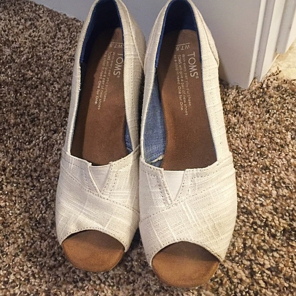 Toms Shoes - Toms Wedges size 7.5 W